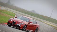 Alfa Giulia Quadrifoglio: in pista con Rachele Sangiuliano e Mara Santangelo [Video] - Immagine: 54