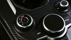 Alfa Romeo Giulia Quadrifoglio: se si seleziona l'opzione Race esclude tutti i controlli
