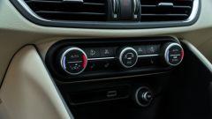 Alfa Romeo Giulia Ti 2020: dettaglio dei comandi clima