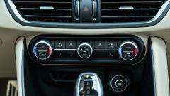 Alfa Romeo Giulia Ti 2020: i comandi del climatizzatore bizona