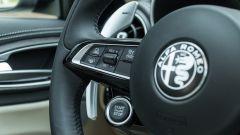 Alfa Romeo Giulia Ti 2020: i comandi dell cruise control e del mantenimento di corsia