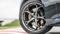 Alfa Romeo Giulia Veloce: dettaglio della ruota anteriore
