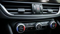 Alfa Romeo Giulia Veloce Q4: i comandi della climatizzazione