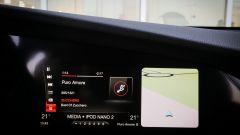 Alfa Romeo Giulia Veloce Q4: il monitor da 8 pollici del sistema di infotainment