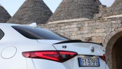 Alfa Romeo Giulia Veloce Ti: lo spoiler posteriore in carbonio