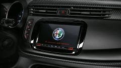 Alfa Romeo Giulietta: arrivano i pacchetti Tech e Carbon Look  - Immagine: 2