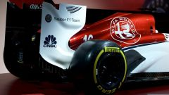 F1: accesa la Sauber Alfa Romeo C37 con motore Ferrari! - Immagine: 1