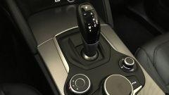Alfa Romeo Stelvio: il manettino del DNA e la rotella per comandare l'infotainment