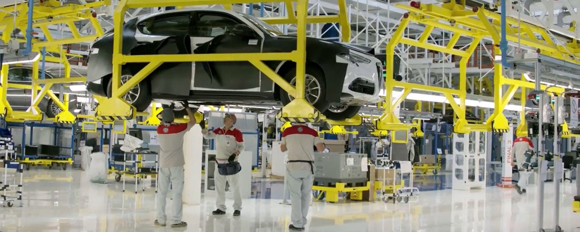 Alfa Romeo Stelvio nella fabbrica di Cassino