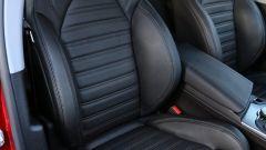 Alfa Romeo Stelvio: sedili sportivi di serie ma rivestimenti in pelle pieno fiore optional
