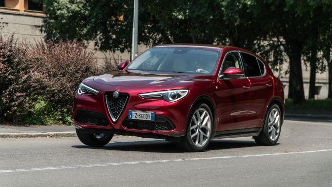 Alfa Romeo Stelvio Ti: motore quattro cilindri turbo benzina da 200 CV e 330 Nm