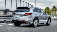 Alla guida della Volkswagen Touareg Advanced 3.0 V6 TDI 286 CV