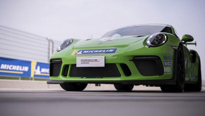 All'ingresso in pista con la Porsche GT3 RS