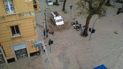 Alluvione a Genova: sul web le auto danneggiate - Immagine: 3