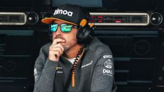 Alonso al muretto nel day-1 di test F1 a Barcellona