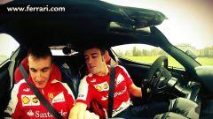 Alonso testa LaFerrari... piano piano - Immagine: 4
