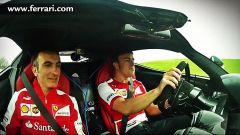 Alonso testa LaFerrari... piano piano - Immagine: 3