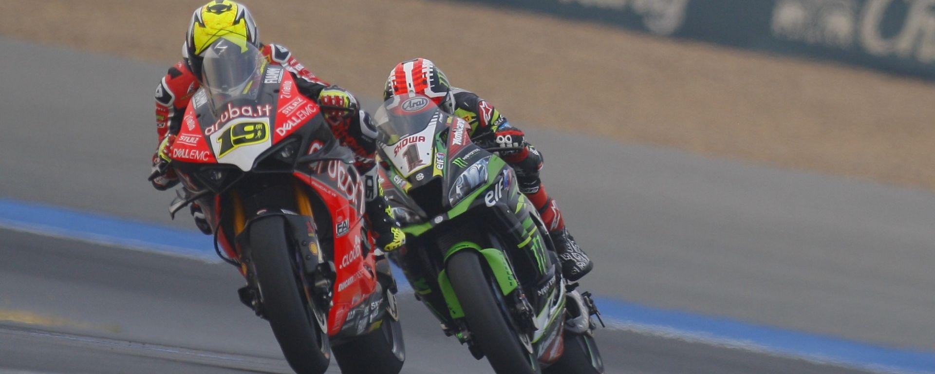 Alvaro Bautista (Ducati) e Jonathan Rea (Kawasaki)