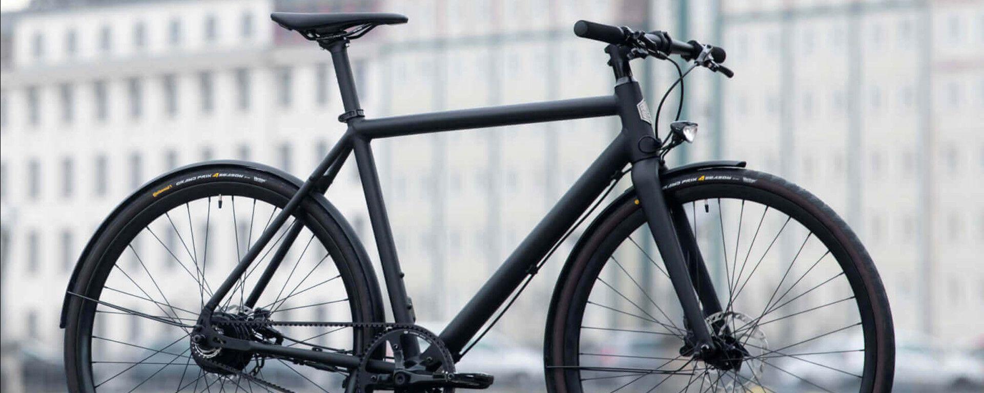 Pedalare in total black: Ampler Curt, e-bike sportiva da città