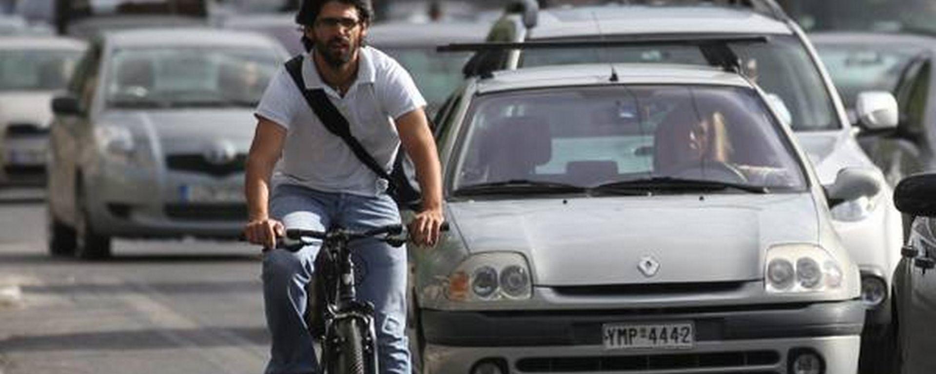 Anche chi va in bicicletta è soggetto alle norme del codice della strada