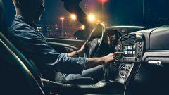 Anche i sistemi di infotainment potrebbero essere una distrazione alla guida: saranno banditi?