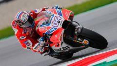 Andrea Dovizioso in azione con la Desmosedici GP17