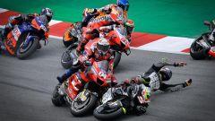 Andrea Dovizioso steso da Johann Zarco (Ducati)