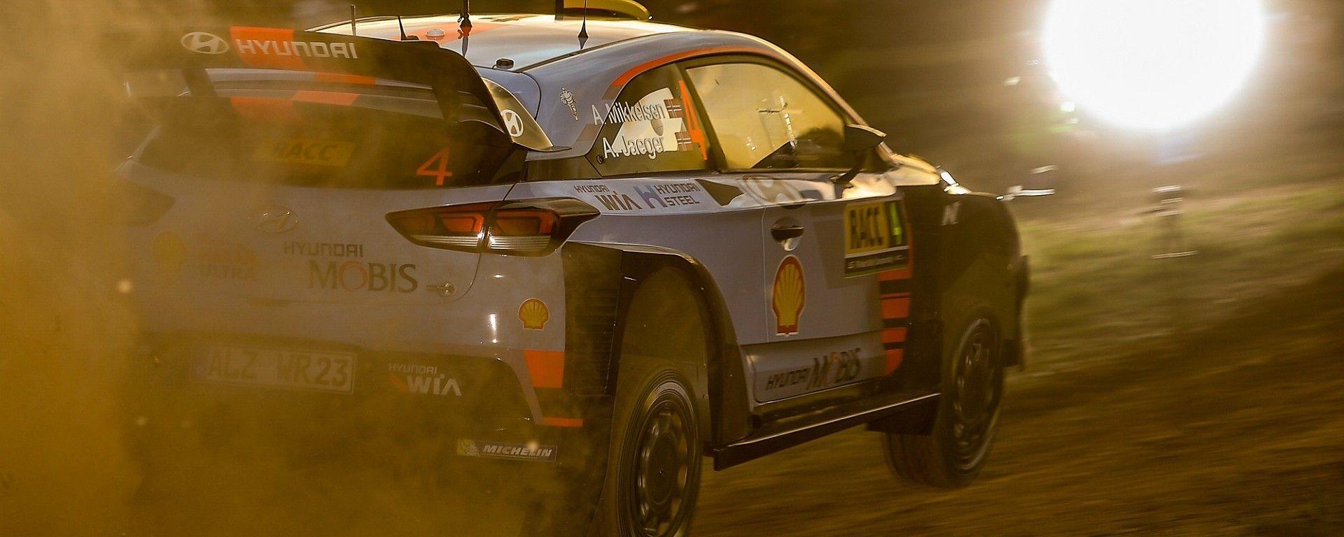Andreas Mikkelsen e la sua Hyundai i20 WRC 2017