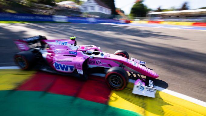 Anthoine Hubert (BWT Arden) in pista nelle qualifiche F2 a Spa
