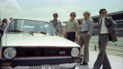 Anton Konrad ed Herbert Schuster alla presentazione di Golf GTI I nel 1976