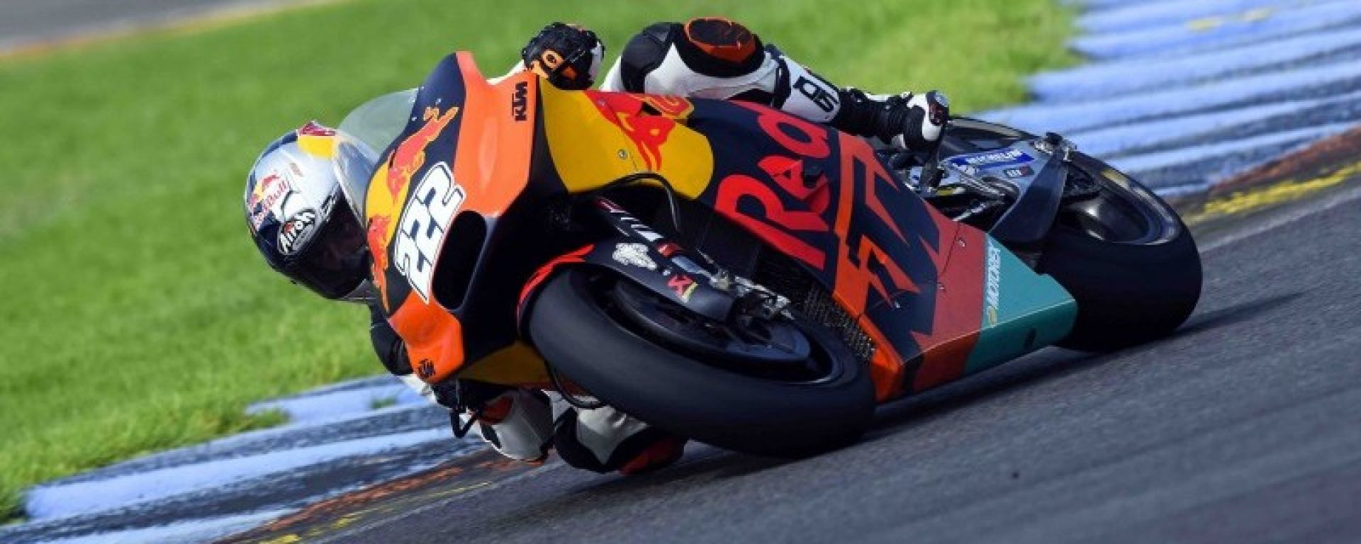Antonio Cairoli: il regalo di nozze della KTM, a Valencia con la RC16 - MotorBox