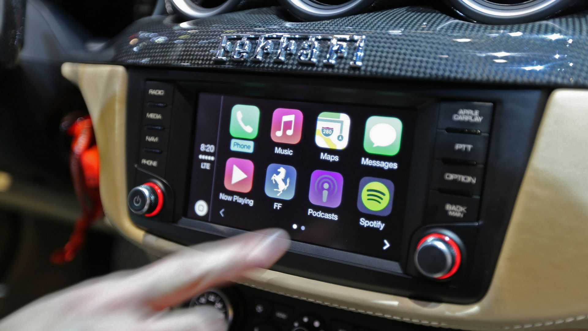 Car-tech: Apple CarPlay - MotorBox