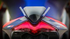 Aprilia RS 660: dettaglio del faro posteriore