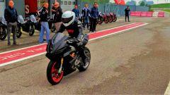 Aprilia RS 660: un passaggio in pit lane a Cremona