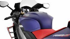 Aprilia RSV4 Factory 2021: cambiata anche l'ergonomia
