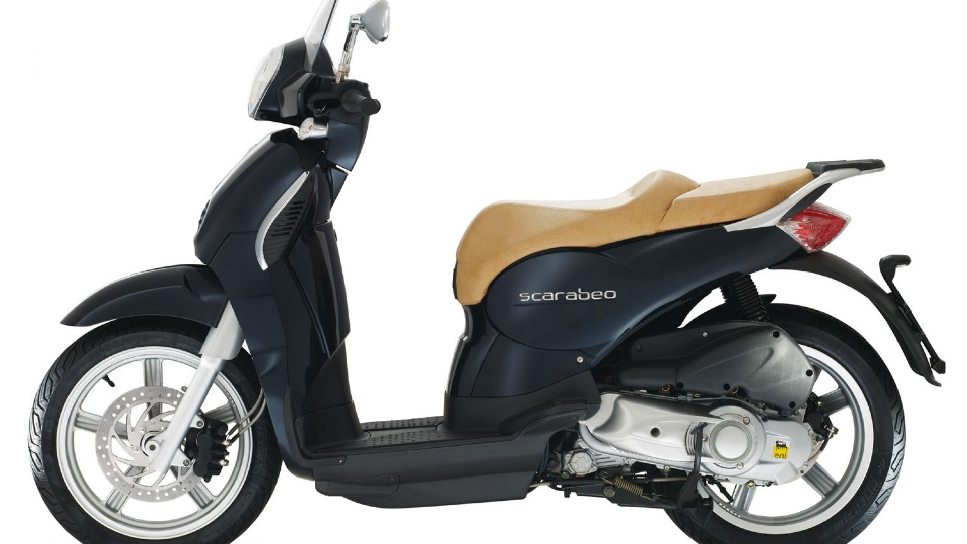 prova aprilia scarabeo 125 e 200 my 2011 motorbox. Black Bedroom Furniture Sets. Home Design Ideas