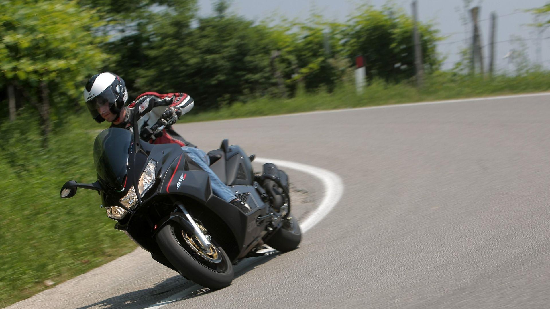 Immagine 3: Aprilia SRV 850 ABS/ATC