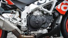 Aprilia Tuono Factory 2017, il motore V4 è sempre un gran pezzo