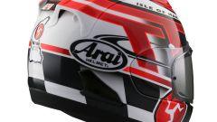 Arai RX-7V: una nuova colorazione celebra il TT 2016 - Immagine: 2