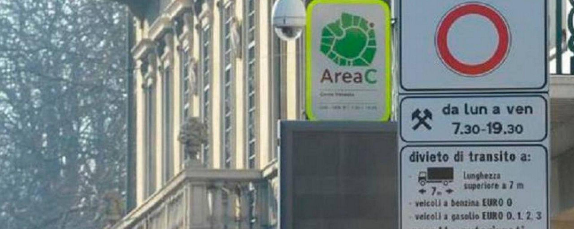 Area C Milano, il 24 febbraio varchi di nuovo attivi