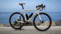 ARES Super Leggera by HPS, e-bike da corsa: prezzo, immagini, scheda tecnica