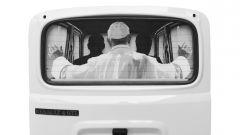 Art al parabrise di Guido Palmero: se il Papa chiede un passaggio...