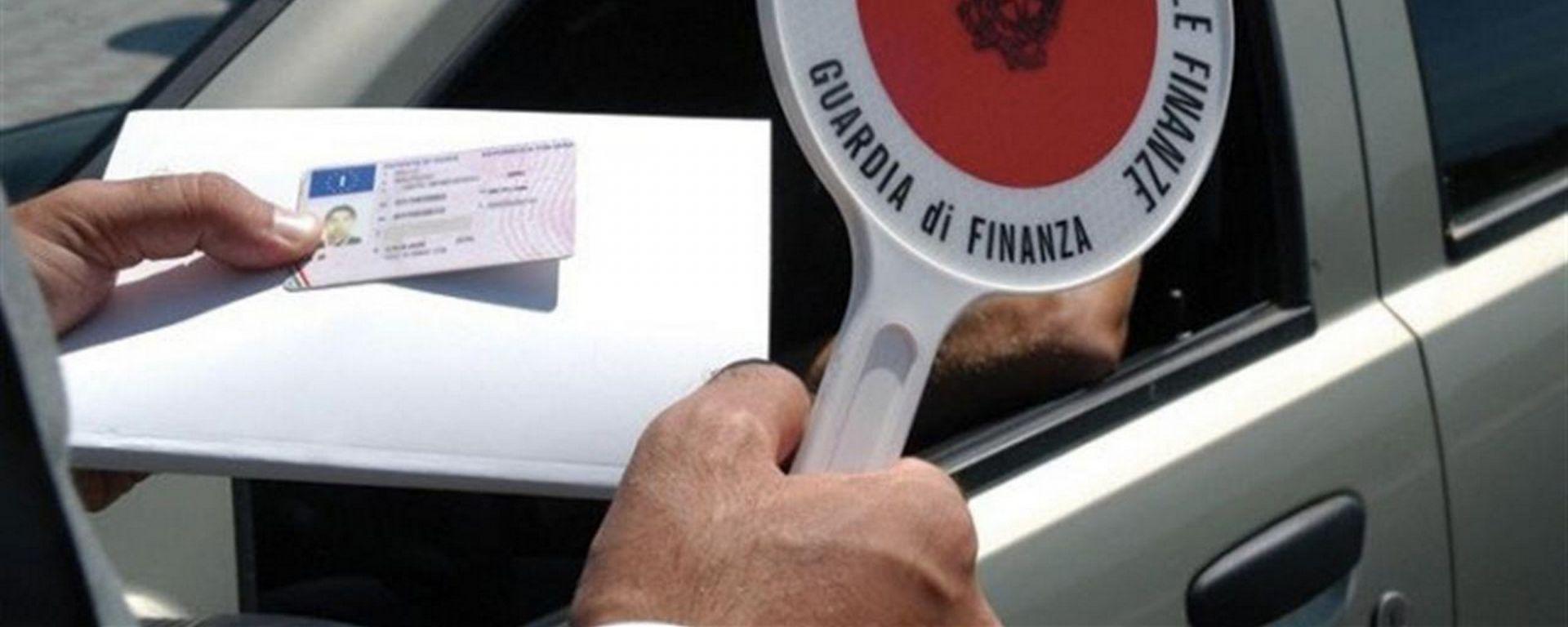 Assicurazione RC Auto scaduta, ritiro patente se sorpresi la seconda volta