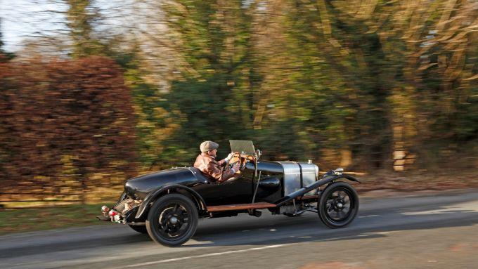 Aston-Martin A3: per le strade inglesi