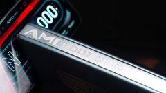 Aston Martin AMB 001: la targhetta con il numero dell'esemplare