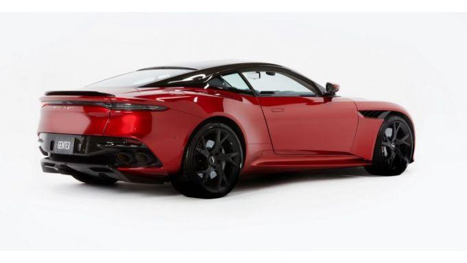 Aston Martin CES 2020: la DBS Superleggera per provare lo specchietto digitale con 3 telecamere