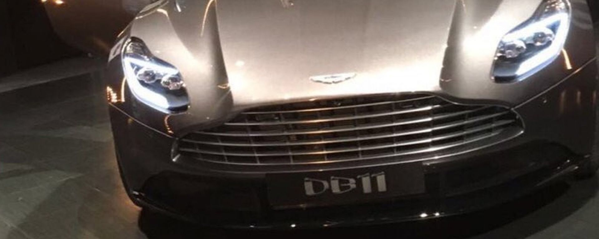 Aston Martin DB11: le foto rubate
