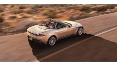 Aston Martin DB11 Volante, a cielo aperto con un V8 AMG - Immagine: 8