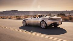 Aston Martin DB11 Volante, a cielo aperto con un V8 AMG - Immagine: 10