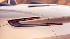 Aston Martin DB11 Volante, a cielo aperto con un V8 AMG - Immagine: 19